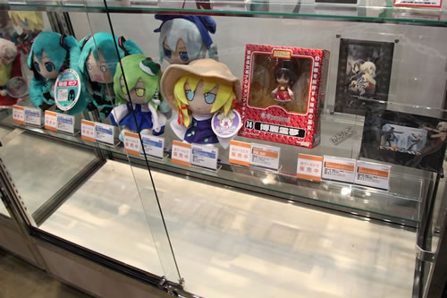 We also see Nendo Reimu -- who is sold in advance and in limited quantity during Comiket